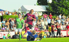 Gut verteidigt: Zumindest Timothy Chandler gelang beim Club-Kantersieg in Baiersdorf kein Treffer.