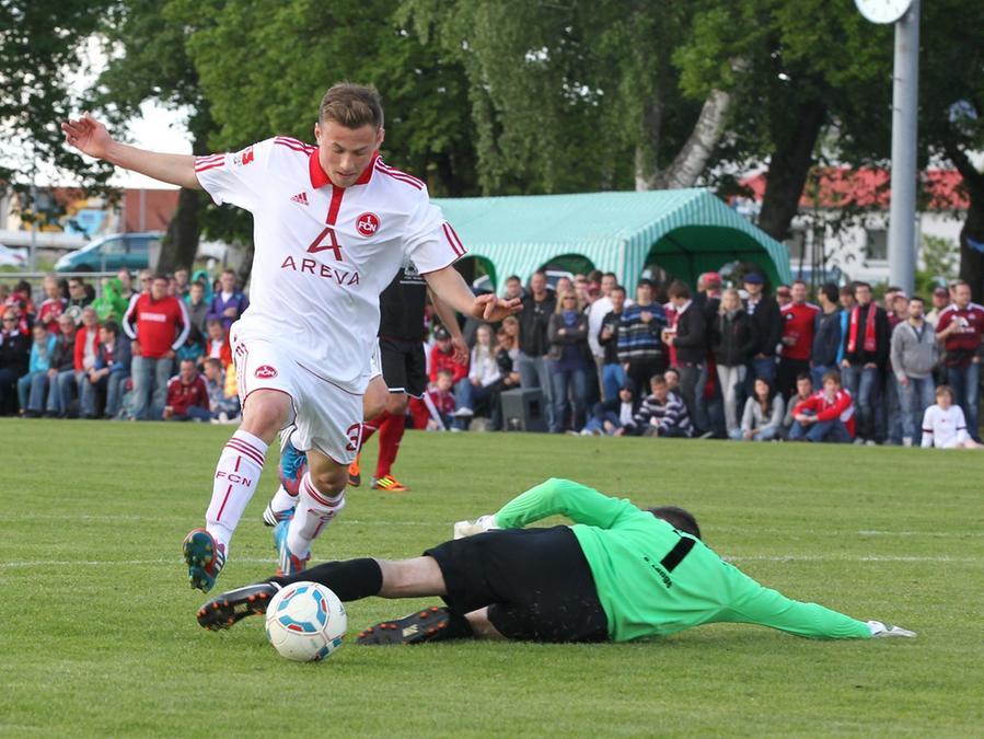 Ein Dutzend zum 150. Geburtstag: Im letzten Freundschaftsspiel vor der Sommerpause hat der 1. FC Nürnberg beim TV 1862 Leutershausen mit 12:1 gewonnen.