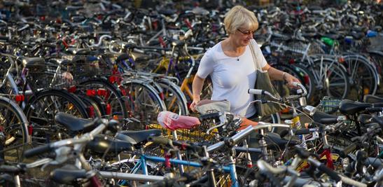 Wohin mit dem Fahrrad, wenn's auf den Berg geht? Drei Parkplätze stehen zur Verfügung.