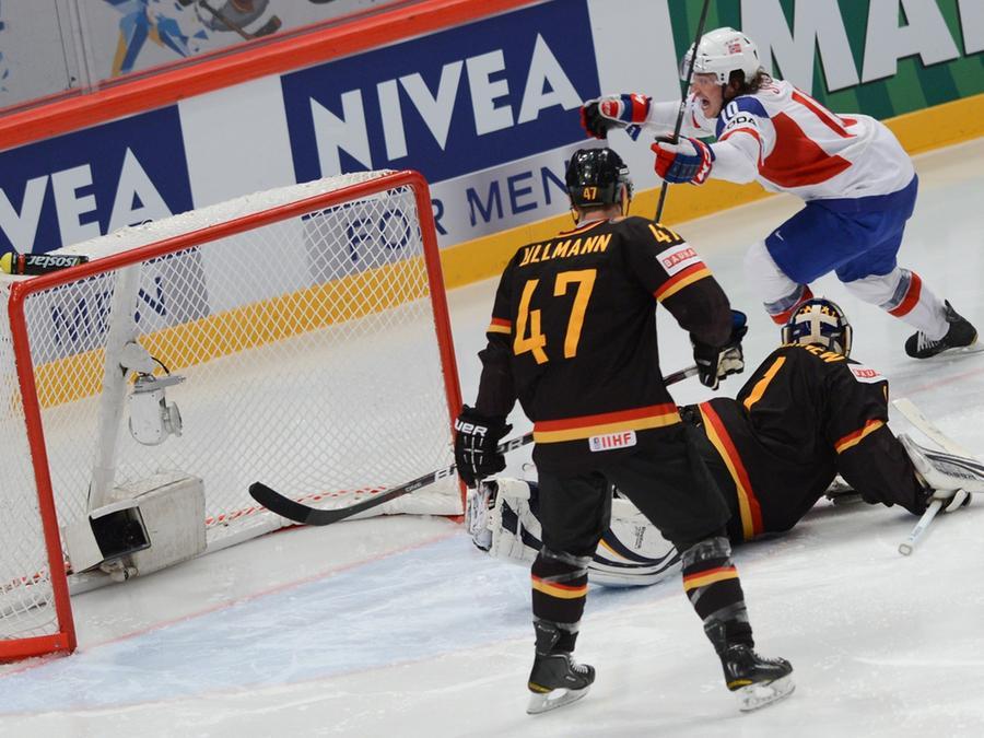 Norwegen trifft, Deutschland schaut zu: 12 Mal schlug es im Kasten des DEB-Teams ein.