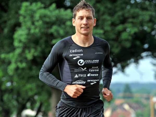 Es ist Sommer geworden: Michi Hofmann beim Lauftraining.