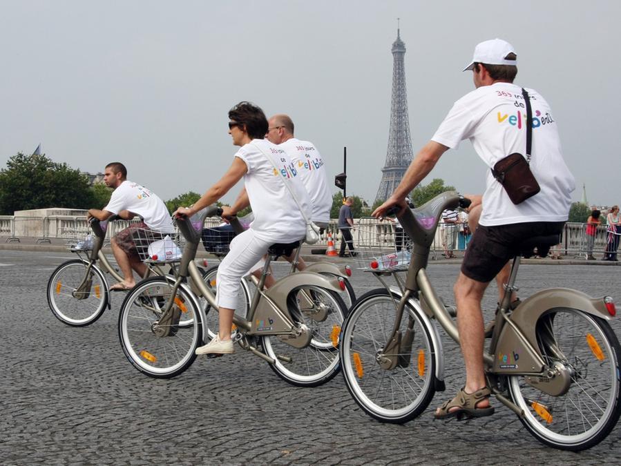 Einfach ausgeliehen: Fahrradfahren in Paris.