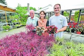 Bei Blumen Wenzel fasst die ganze Familie mit an: Seniorchef Gerhard Wenzel, Andrea und Stefan Wenzel.