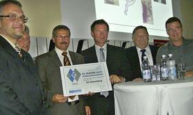 """Der BLSV überreichte dem Verein zum zweiten Mal die """"Silberne Raute""""."""