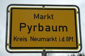 Ortsschilder3 - Pyrbaum_Ortsschild_wof.JPG