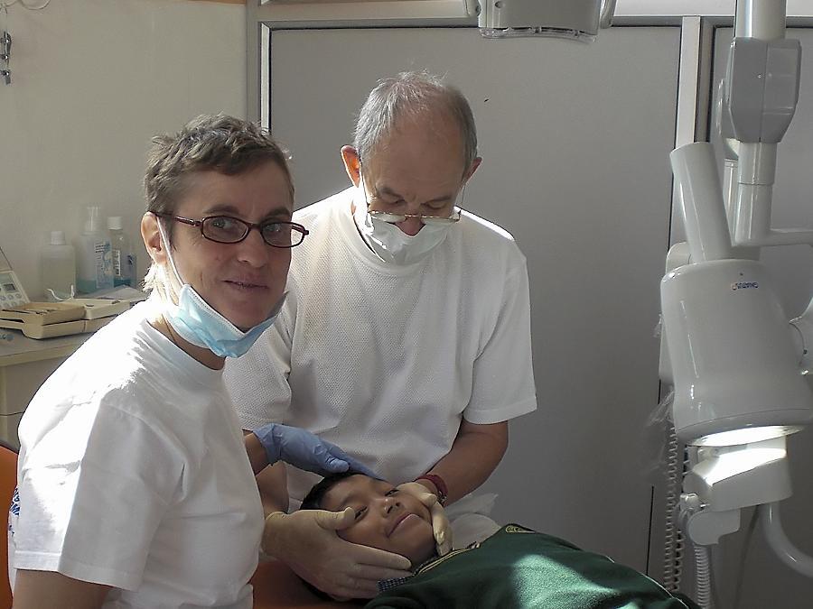Dr. Rudolf Meierhöfer und seine Kollegin Dr. Steffi Kijowsky halfen zuletzt Kindern aus Tibet im indisch-nepalesischen Grenzgebiet.