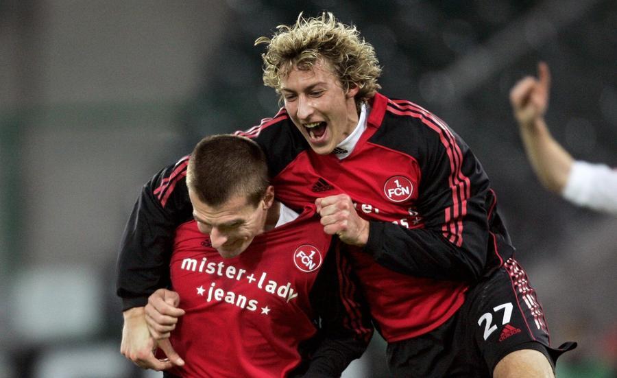 Gratulant Stefan Kießling (rechts) trifft nun für Bayer. Marek Nikl traf einst siegbringend gegen Leverkusen.