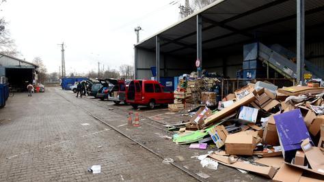 Wo heute noch Müll getrennt wird, sollen in den nächsten Jahren Büroräume und Forschungsstätten entstehen. Der Recyclinghof muss deshalb ausweichen.