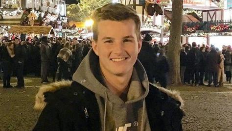 Der 17-jährige Tom braucht einen Stammzellenspender, um die Leukämie zu besiegen.