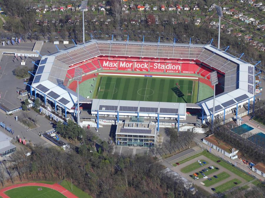 Darum geht es: Das Stadion Nürnberg könnte schon bald Max-Morlock-Stadion heißen.