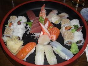 nordbayern.de hat günstiges und gutes Sushi aufgespürt.