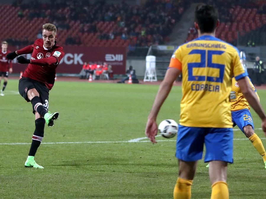 Ondrej Petrak wurde gegen Braunschweig auch mit einem saftigen Distanzschuss auffällig.