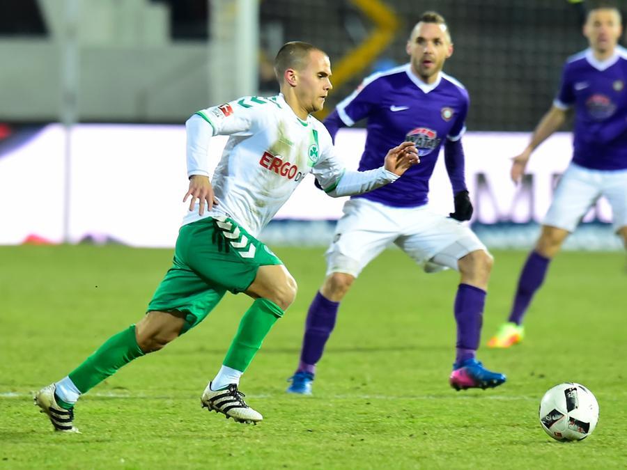 Christian Derflinger kam im Sommer als vereinsloser Spieler zum Kleeblatt. Nach seinem Debüt bei den Profis darf sich der 23-Jährige nun Hoffnungen auf mehr Einsatzminuten in der 2. Bundesliga machen.