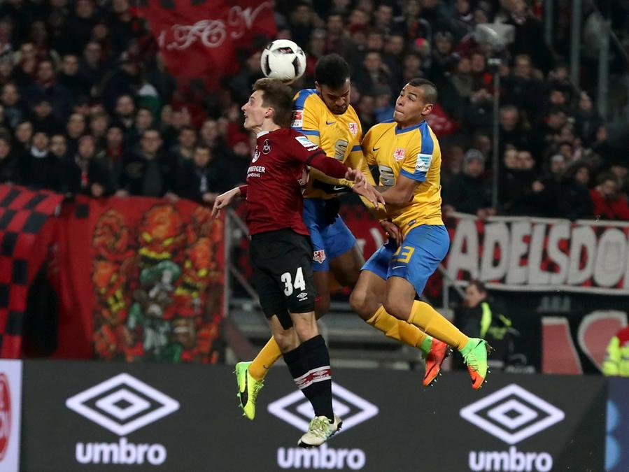 Dennis Lippert hat den Druchbruch geschafft: Der 21-Jährige hat sich bei den Profis des 1. FC Nürnberg etabliert.