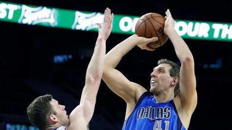 Dirk Nowitzki erwischte eine Sahnetag - am Ende kam trotzdem nichts bei rum. Die Dallas Mavericks kassierten am Mittwoch ihre zweite Niederlage in Folge.