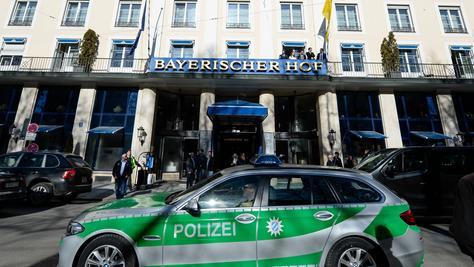 Hohe Sicherheitsstufe: Im Hotel Bayerischer Hof beginnt am heutigen Freitag die Münchner Sicherheitskonferenz.