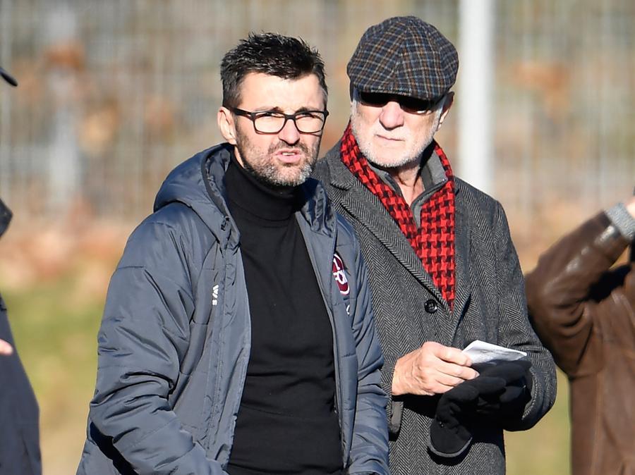 Michael Köllner (links, hier mit Aufsichtsrat Günther Koch) übernimmt beim Club.