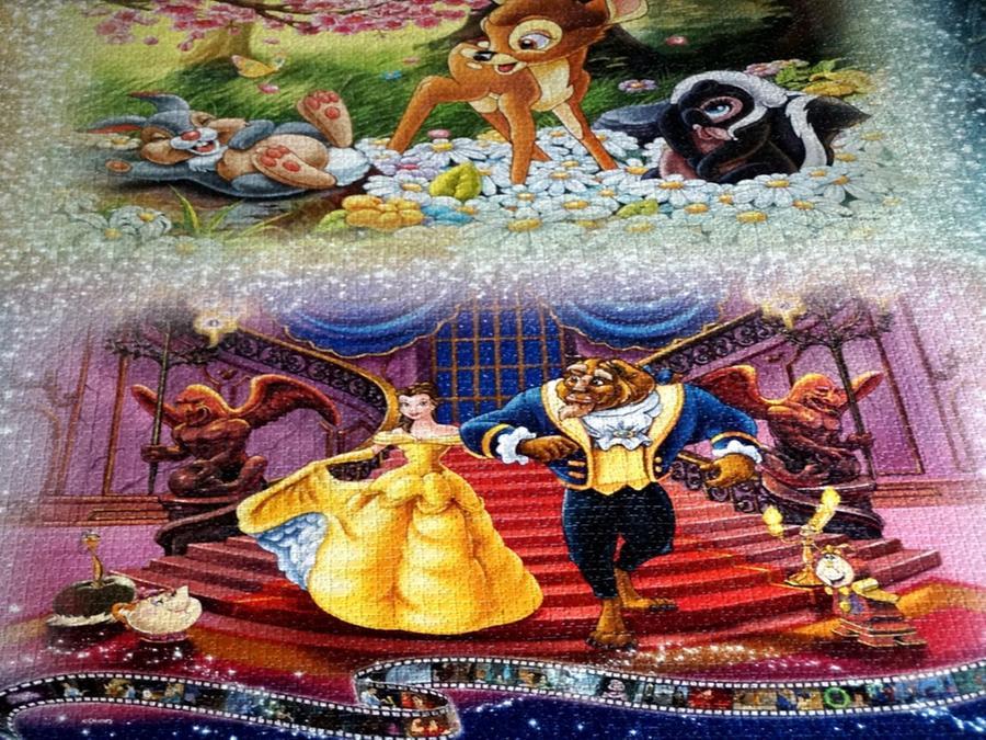 Das Riesenpuzzle zeigt Motive aus Disney-Filmen.