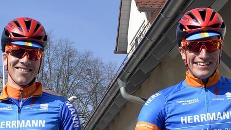 Können sich aufeinander verlassen: die Tandem-Partner des Radteams Herrmann, Peter Renner (li.) und Tim Kleinwächter.