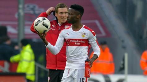 Hannes Wolf, Stuttgarts Coach, nimmt die Auswärtsaufgabe in der Kleeblattstadt richtig ernst.