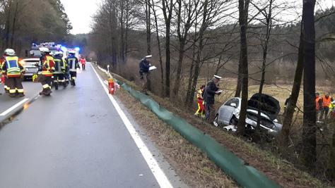 Ein 75-Jähriger verstarb am Samstagabend nach einem Unfall bei Velden im Landkreis Nürnberger Land.