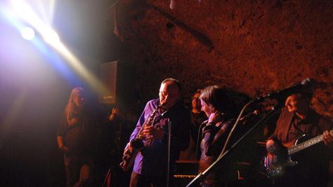 Die Hillman's Blues Band sorgte im Keller des Lichspielhauses mit sexy Saxophon-Passagen für prächtige Unterhaltung.