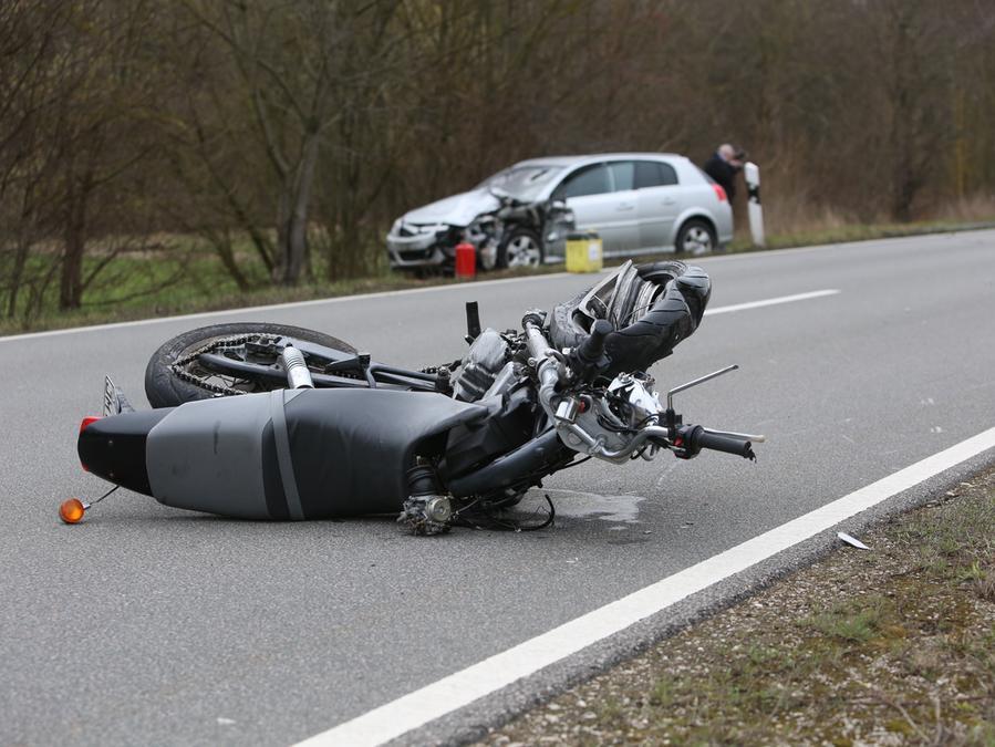 Am Montagmorgen ist es bei Herzogenaurach zu einem tödlichen Verkehrsunfall gekommen.