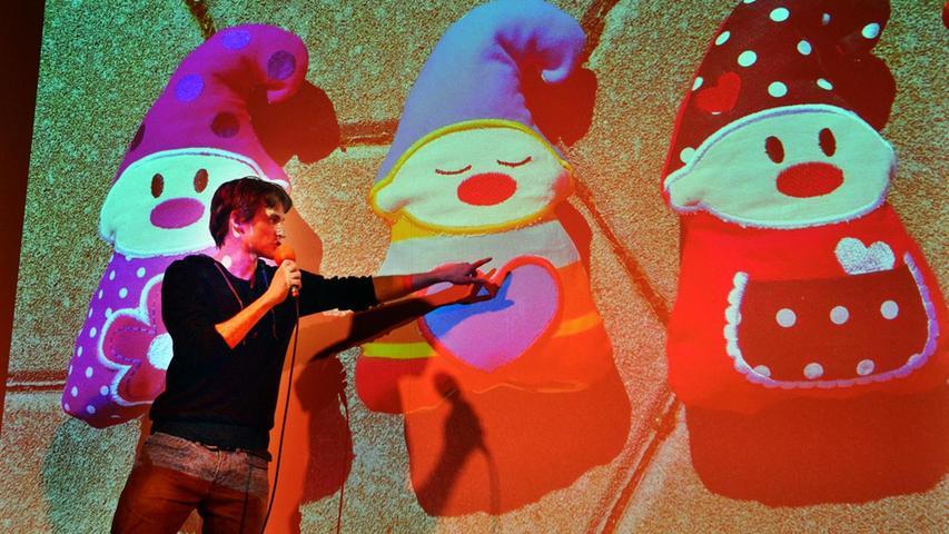 Pecha-Kucha-Night im E-Werk: Philipp Eichhorn präsentiert seine Idee mit der Stickdatei.