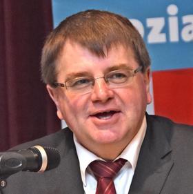 Legt einen Westmittelfranken-Plan vor: SPD-Politiker Harry Scheuenstuhl.