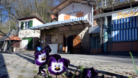 Im Frühling erwacht das Bergkirchweih-Gelände - den Anfang macht in diesem Jahr der Entlas Keller.
