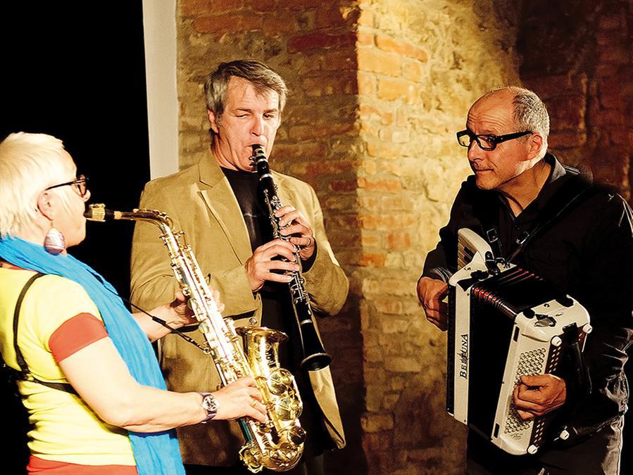 Jazzen und Jammen: Das Kohelet-Trio kommt nach Ellingen zurück.
