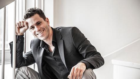 """Nepo Fitz kommt mit seinem neuem Programm """"Geile Frequenz"""" in die Luna Bühne nach Weißenburg."""