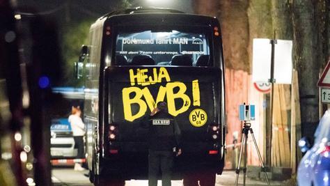 Offensichtlich aus Habgier hat ein 28-jähriger Mann den Anschlag auf den Mannschaftsbus von Borussia Dortmund verübt.
