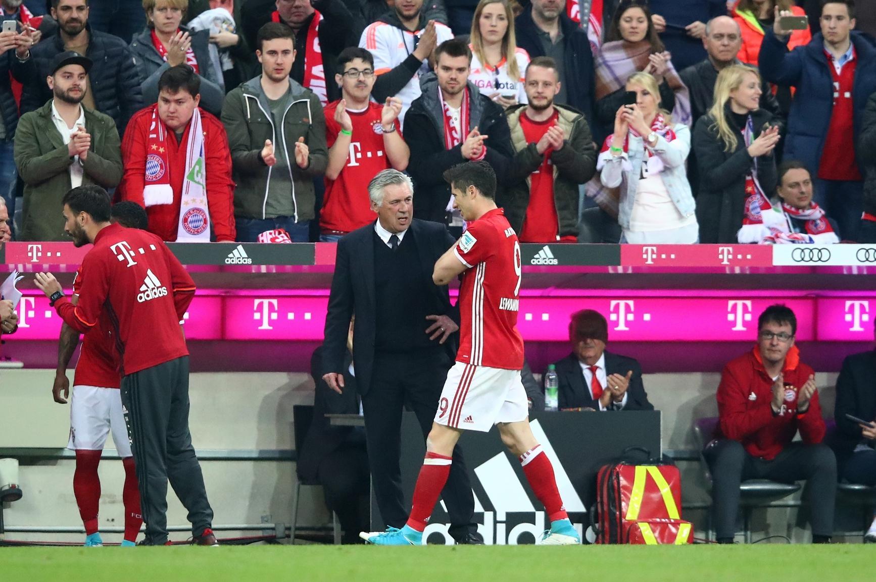 Bayern verliert in Unterzahl gegen Real