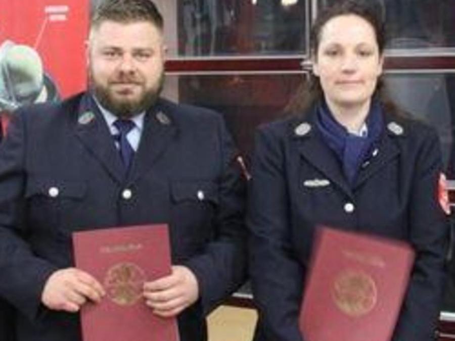 Marion Besold ist die erste Löschmeisterin in der Geschichte der Schwabacher Feuerwehr. Bei der Jahresversammlung wurde auch Denis Rau zum Löschmeister befördert.