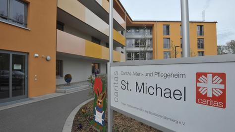 Zwölf Millionen Euro sind in die Sanierung des Alten- und Pflegeheims St. Michael in Röthenbach an der Pegnitz geflossen – Kosten, an denen die Caritas die Heimbewohner beteiligt.