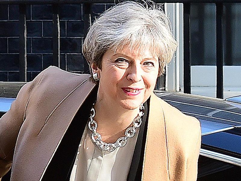 Britische Premierministerin kündigt überraschend Neuwahlen an