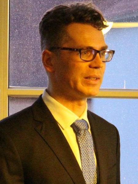 Der Erlanger Fachanwalt für Medienrecht Michael Metzner erklärte den vielen interessierten Zuhörern das Darknet, die kriminelle Welt des Internets.