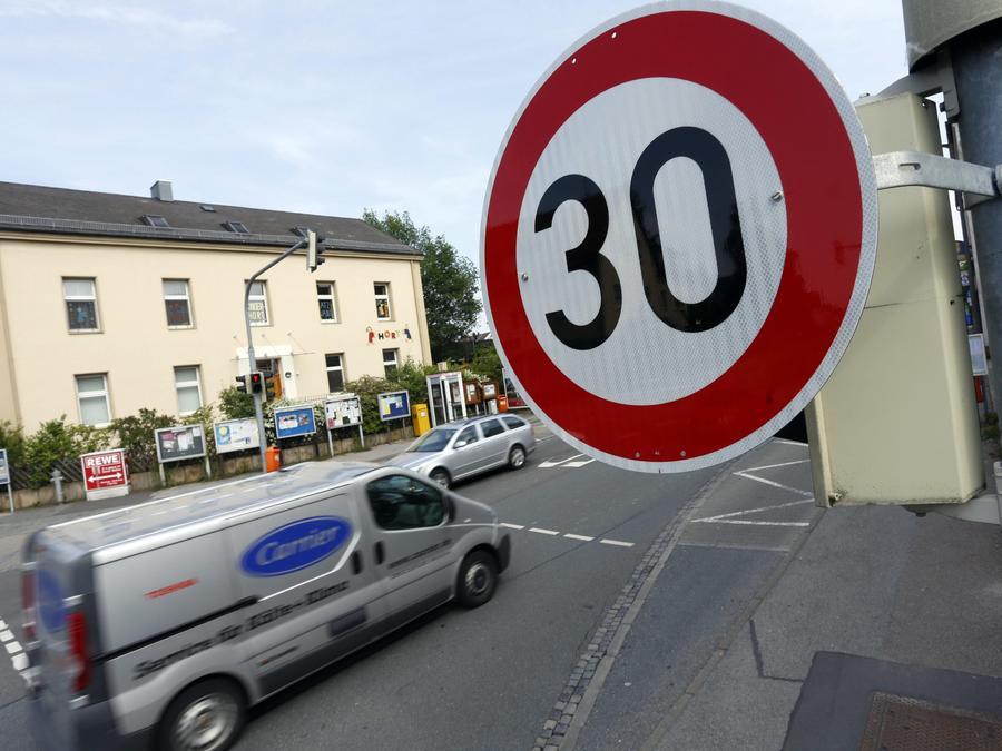 Braucht Nürnberg ein generelles Tempo 30 in Städten? Nürnbergs Grüne finden die Idee reizvoll.