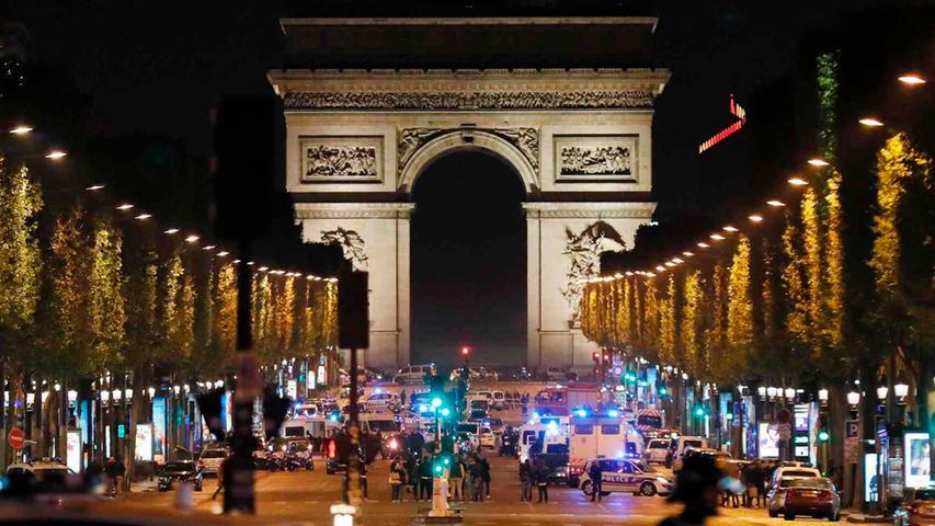 Die Champs-Élysées wurden nach der Schießerei abgeriegelt.