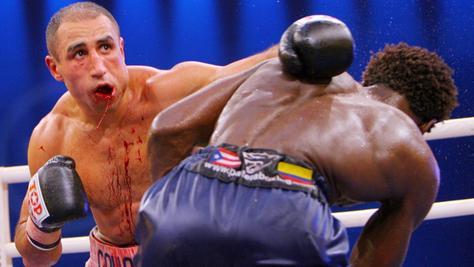 Abrahams Sieg gegen Edison Miranda im Jahre 2006 war richtungsweisend für seine Box-Karriere - die sich mit einer Niederlage am Samstag dem Ende zuneigen könnte.