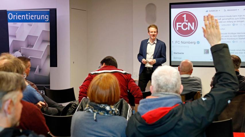 """Im Josephs diskutierten Experten, NN-Redakteure und das Publikum gemeinsam über Fanforen und soziale Medien als """"vierte Gewalt""""."""