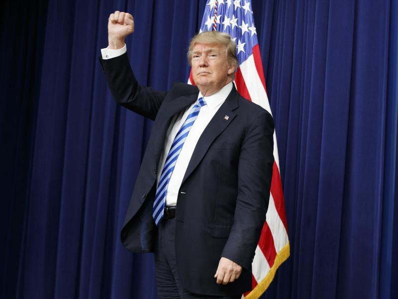 Innenpolitik | Trump will an Plänen zu Mauerbau festhalten
