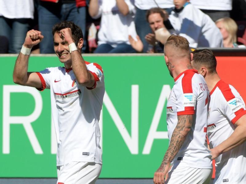 In Augsburg News HSV streicht Djourou aus dem Kader und bezieht Schlappe