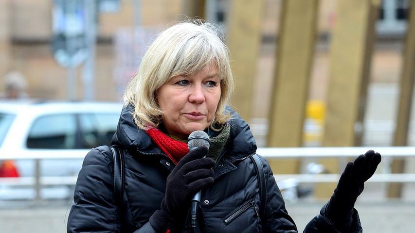 Wird Ruth Brenner von einem Pegida-Aktivisten verleumdet? Vor dem Landgericht klagt die Sprecherin des Fürther Bündnisses gegen Rechtsextremismus.