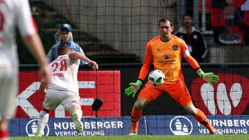 Kein erfolgreicher Heim-Abschluss für Raphael Schäfer: Gegen Fortuna Düsseldorf kassierte der Club-Schlussmann drei Treffer.