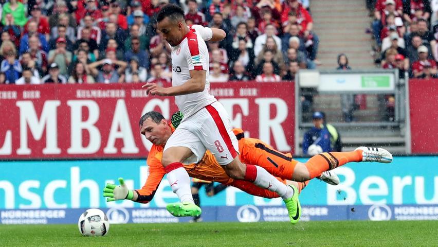 Umkurvt und doch unvergessen: Raphael Schäfer wird nicht nur wegen des Pokalsiegs 2007 immer eine ganz besondere Rolle beim 1. FC Nürnberg einnehmen.
