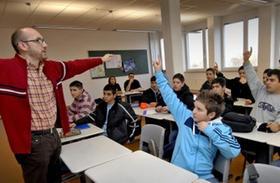 Harry Harun Behr unterrichtet in der Geschwister-Scholl-Realschule islamischen Religionsunterricht.