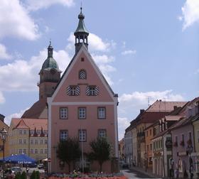 Marktplatz Auerbach mit Rathaus