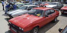 Am Fuße des Dillbergs, auf dem Gelände des SV Postbauer-Heng, waren am Wochenende gut 200 Ford Capri geparkt. 18 Jahre lang wurde an diesem sportlichen Ford-Modell gebaut.